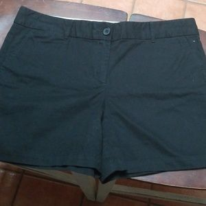 "Ann taylor Loft shorts with 6"" inseam"